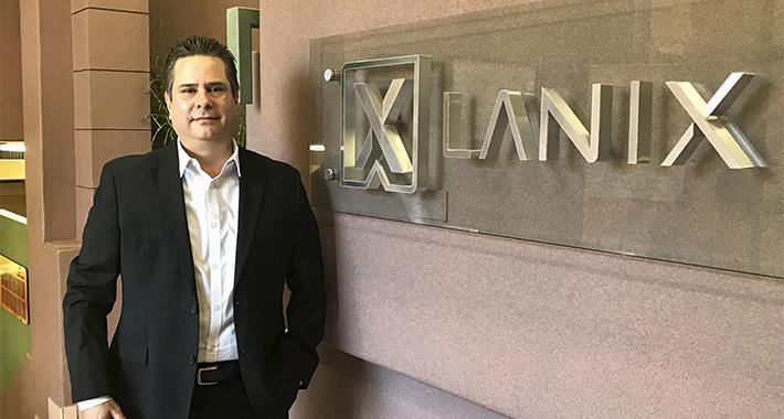 Lanix, equipos hechos en México