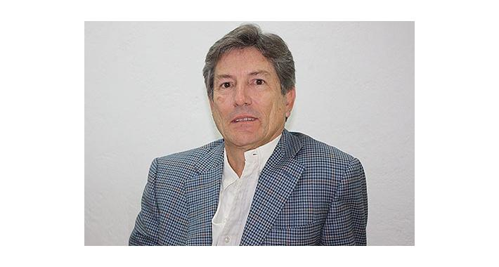 Manuel Sáenz ocupa su experiencia e impulsa a emprendedores