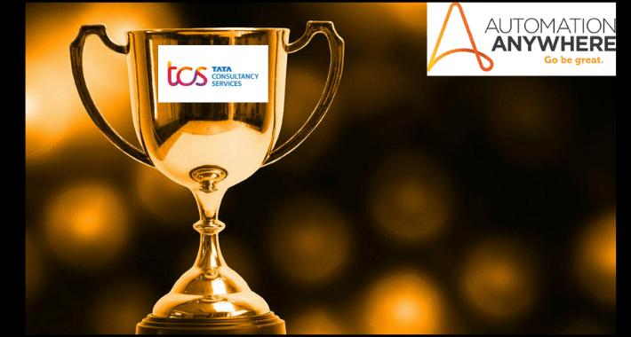 Socio del año, TCS recibe premio